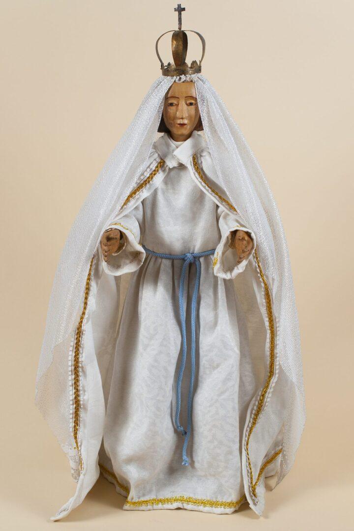 Virgen, santo de vestir