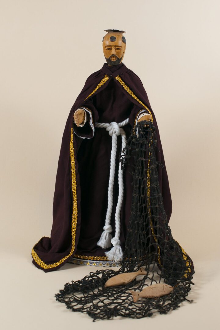 San Pedro, santo de vestir