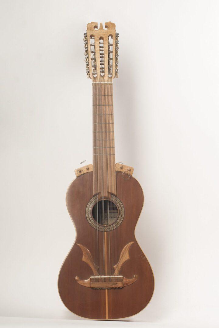 Guitarrón chileno 25 cuerdas